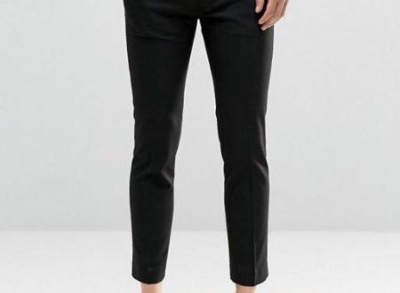 Pantaloni attillati